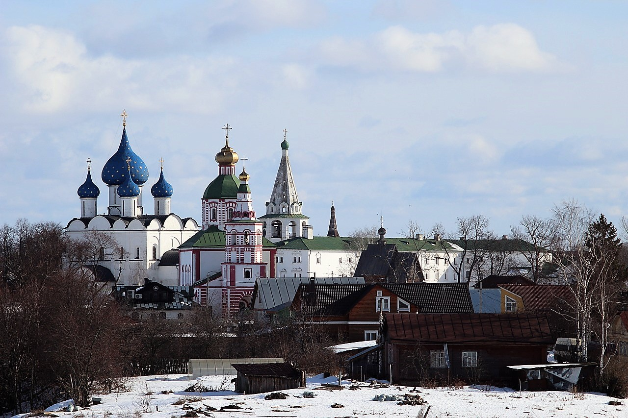 A day in suzdal winter